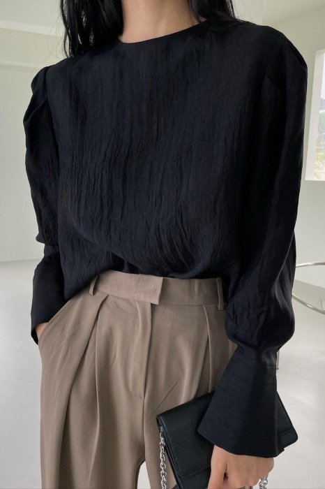 back button<br>puff sleeves blouse<br>black