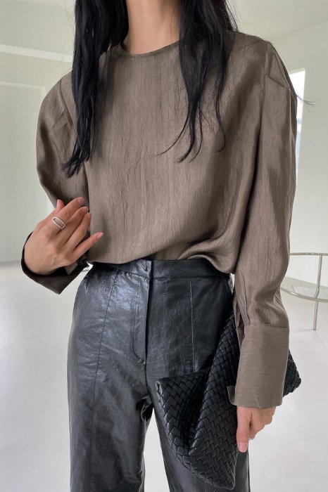 back button<br>puff sleeves blouse<br>brown