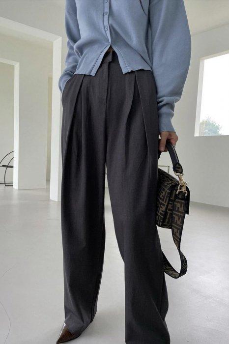 signature tuck slacks<br>ash brown