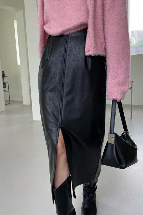 vegan leather slit skirt<br>black