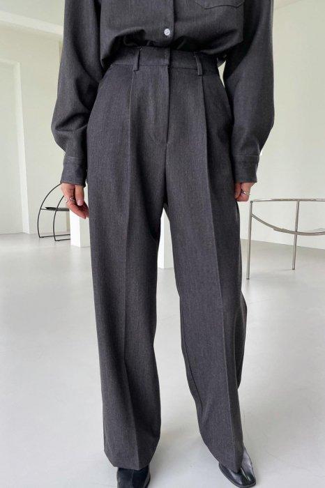 mia denim tuck slacks<br>black denim