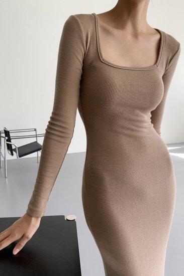 square neck<br>slim fit one piece<br>beige