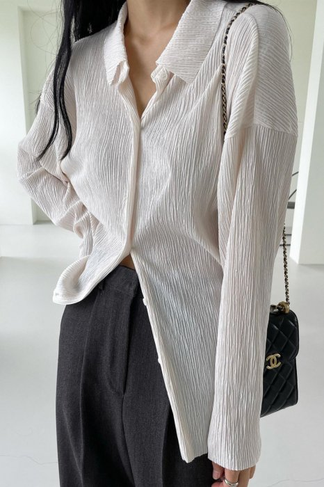 collar pleats shirts<br>ivory