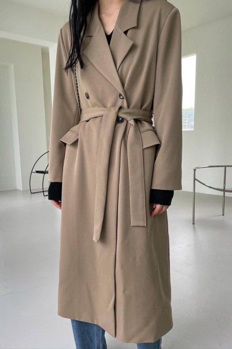 double button long jacket<br>beige