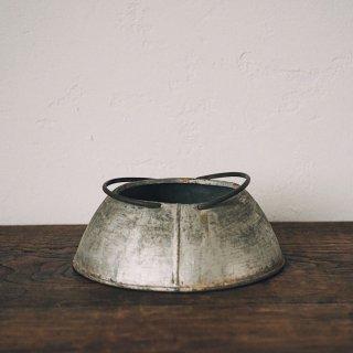 アルミの鉢