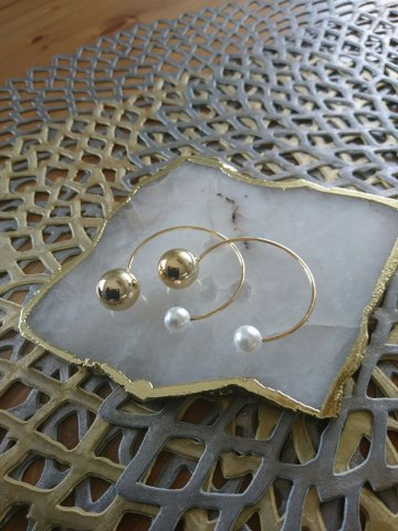 JOVONNA Circle pearl earrings