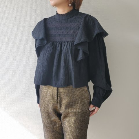 【40%OFF】GHOSPELL Blank CanvasHighNeck Top