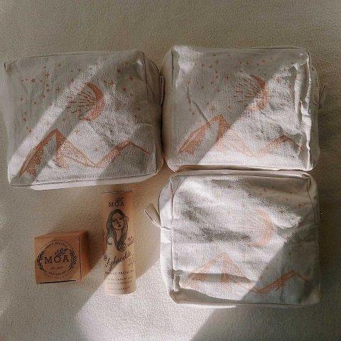 送料無料【コスメポーチ】Cosmetic bags