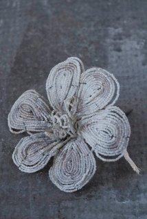 Fleurs en perles No.3
