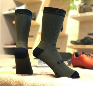 <img class='new_mark_img1' src='https://img.shop-pro.jp/img/new/icons14.gif' style='border:none;display:inline;margin:0px;padding:0px;width:auto;' />【GIRO/ジロ】WINTER MERINO WOOL SOCKS Olive