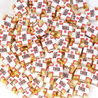 (全国送料無料)元祖チロルチョコ ミルクヌガー【80コ入り】おかしのマーチ メール便(omtmb6747z)
