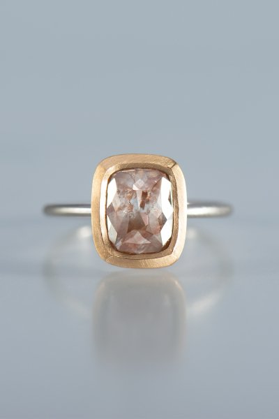 <img class='new_mark_img1' src='https://img.shop-pro.jp/img/new/icons2.gif' style='border:none;display:inline;margin:0px;padding:0px;width:auto;' />NR67 /  Square Shape Rose Cut Diamond Ring