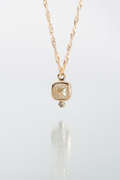<img class='new_mark_img1' src='https://img.shop-pro.jp/img/new/icons2.gif' style='border:none;display:inline;margin:0px;padding:0px;width:auto;' />NR84 / Square Milky Diamond Necklace + Brown Diamond