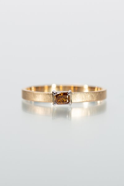 <img class='new_mark_img1' src='https://img.shop-pro.jp/img/new/icons2.gif' style='border:none;display:inline;margin:0px;padding:0px;width:auto;' />NR87 / Square cut Diamond Ring (cognac)