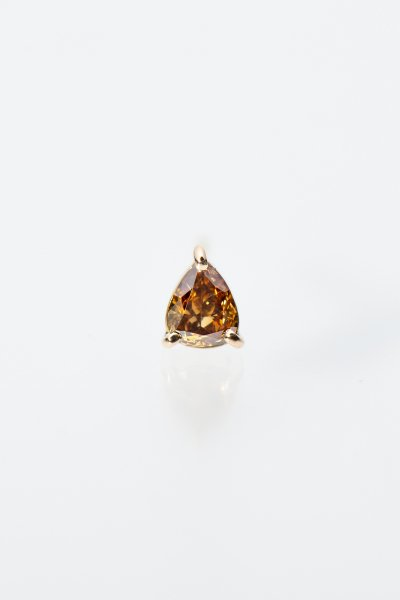 <img class='new_mark_img1' src='https://img.shop-pro.jp/img/new/icons2.gif' style='border:none;display:inline;margin:0px;padding:0px;width:auto;' />NR92 / Pear shape Diamond Pierce(olive brown / single)
