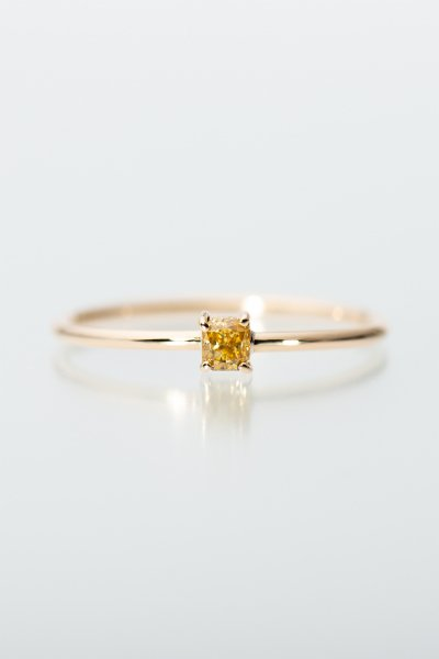 <img class='new_mark_img1' src='https://img.shop-pro.jp/img/new/icons2.gif' style='border:none;display:inline;margin:0px;padding:0px;width:auto;' />NR91 / Square cut Diamond Ring (golden yellow)