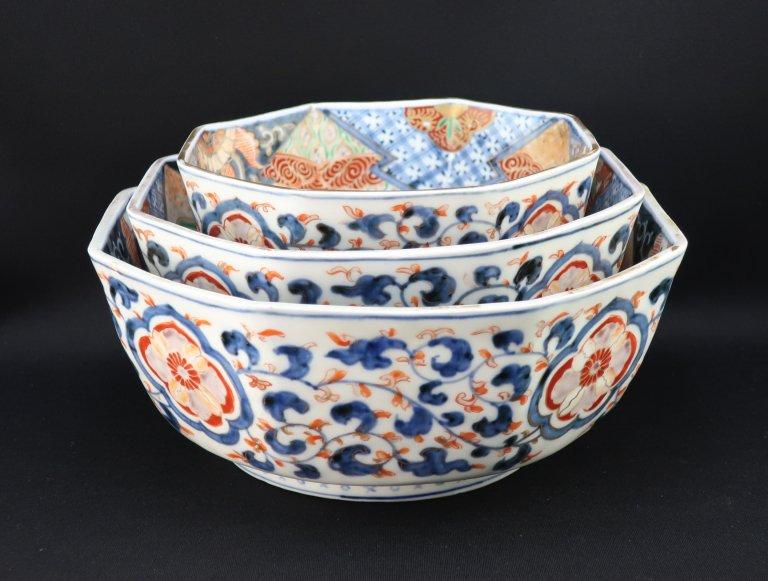 伊万里三つ組八角鉢 / Imari Octagonal Polychrome Bowls set of 3 (L/M/S)