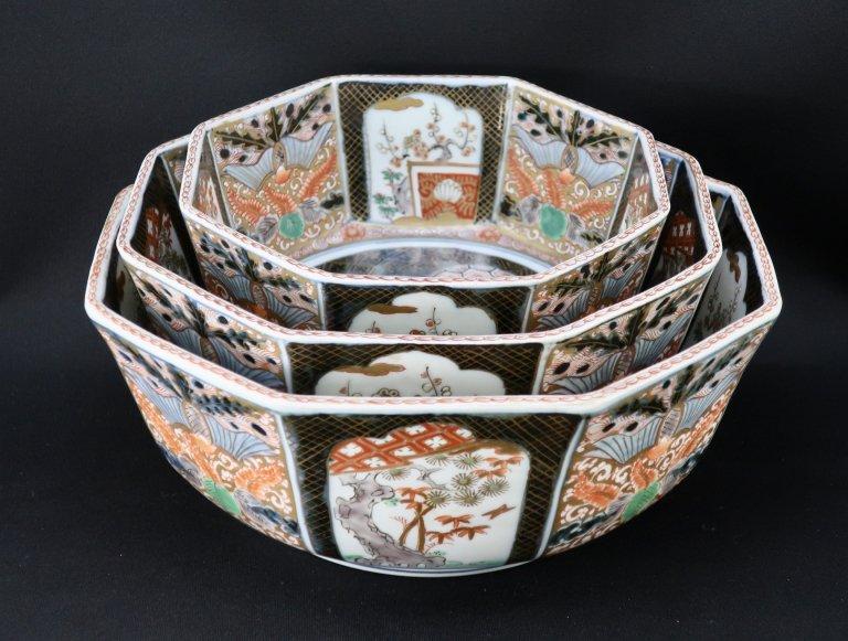 伊万里色絵八角三つ組鉢 / Imari Octagonal Polychrome Bowls set of 3 (L/M/S)