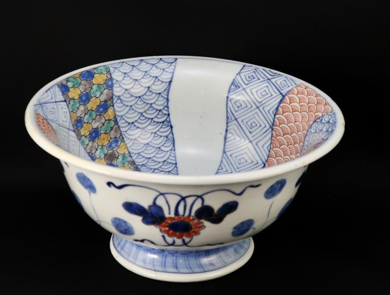 伊万里色絵捻文大盃洗 / Imari Large Polychrome 'Haisen' Sake Cup Washing Bowl