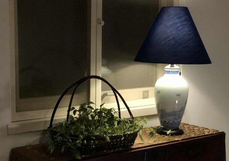 平戸焼壺テーブルランプ / Hirado Porelain Pot Table Lamp