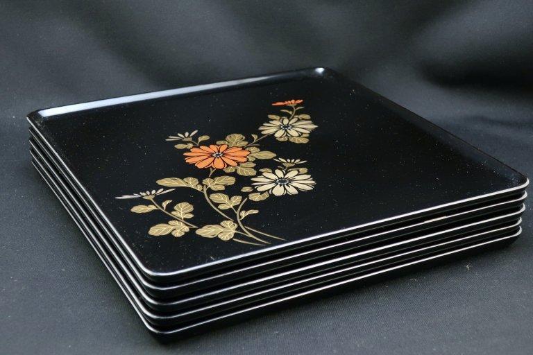 輪島塗菊蒔絵膳 五枚組 / Black-lacquered Trays with 'Makie' picture of Chrysanthemum flowers  set of 5