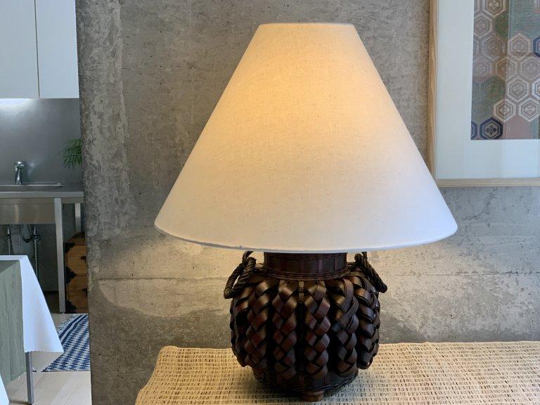 花籠テーブルランプ / Table Lamp with 'Hanakago'(Flower Basket) Lamp