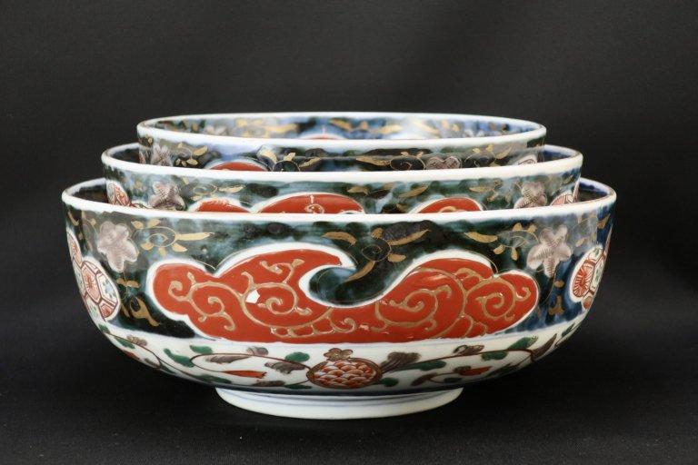 伊万里色絵三つ組鉢 / Imari Polychrome Bowls  L/M/S  set of 3