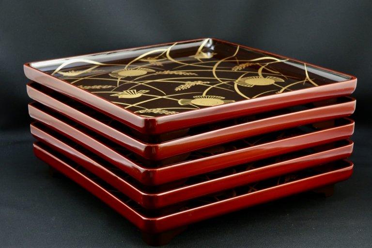 稲雀蒔絵脚付膳 五枚組 / Lacquered Tray with 'Makie' picture of Sparrows and Rice  set of 5