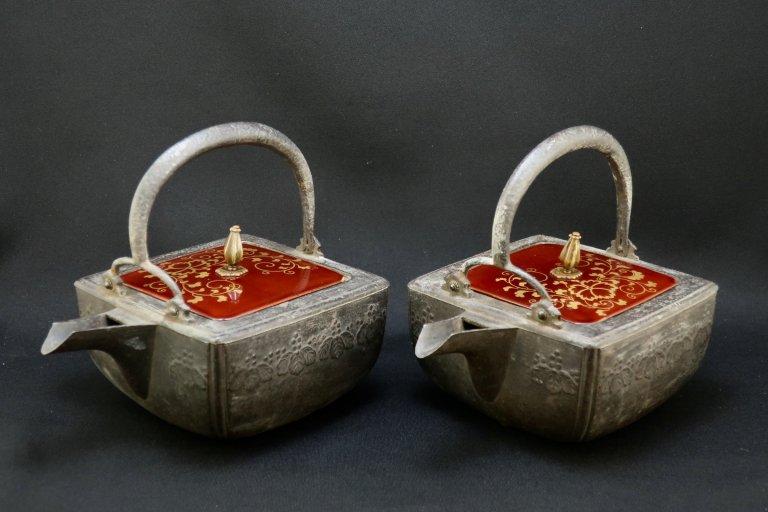 角鉄銚子 一対 / Iron Square Sake Pourer  1 pair