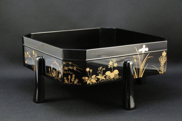 四季草花蒔絵 菓子器 / Black-lacquered Sweet Box with Makie Picture of Flowers  of Four seasons