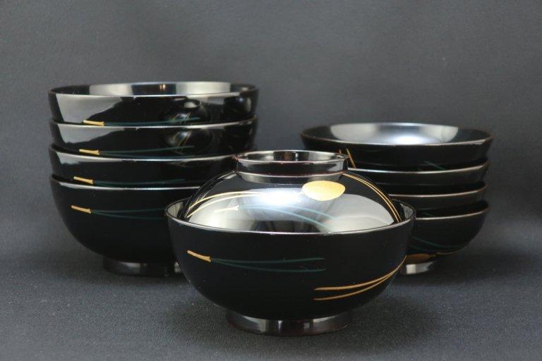 輪島塗松蒔絵吸物椀 五客組 / Black-lacquered Soup Bowls with Lids  set of 5