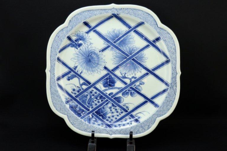 伊万里染付菊に垣根の図変形大皿 / Imari Large Blue & White Plate with the picture of chrysanthemum Flowers