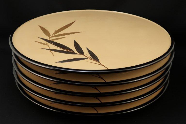 輪島塗白漆笹蒔絵丸膳 五枚組 / Wajima-lacquered Round Trays  set of 5