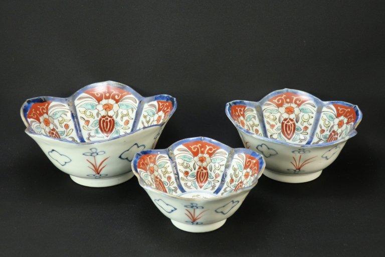 伊万里色絵桔梗形三つ組鉢 / Imari Polychrome Bell-flower-shaped Bowls  L/M/S  set of 3