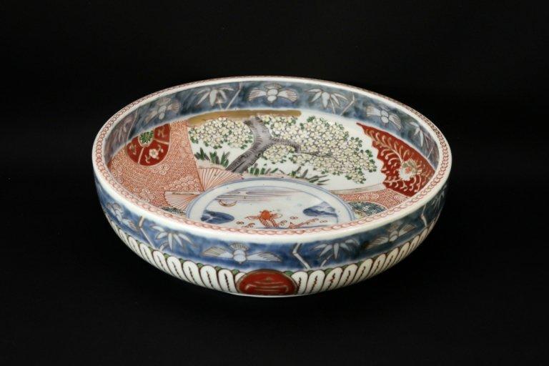 伊万里色絵桜と登竜門の図中鉢 / Imari Large Polychrome Bowl with the picture of Sakura