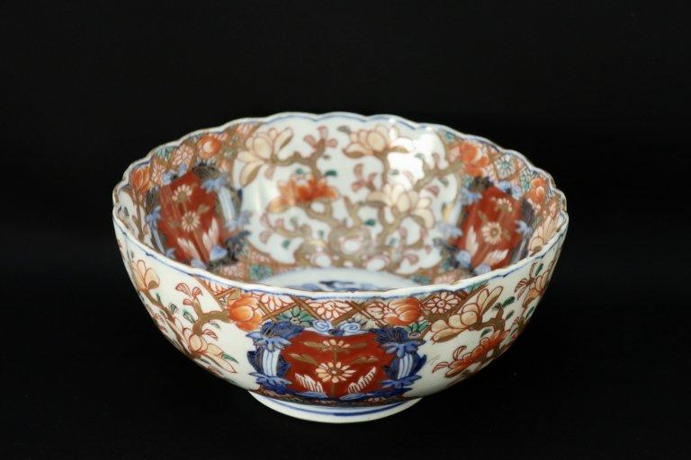 伊万里菊花形中鉢(大) / Imari Polychrome Chrisanthemum-flower-shaped Bowl