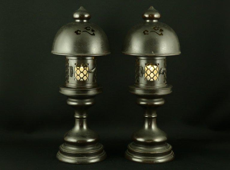 銅器灯籠 一対 / Temple Bronze Lanterns  set of 2