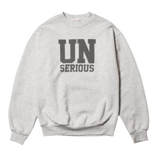 <img class='new_mark_img1' src='https://img.shop-pro.jp/img/new/icons5.gif' style='border:none;display:inline;margin:0px;padding:0px;width:auto;' />STANDARD CALIFORNIA UNSERIOUS ARMY Logo Sweat