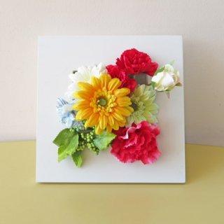 光触媒アートフラワーアレンジメント【ビエント(壁掛け)】「母の日」にも使える、カーネーションとガーベラのアートフラワーアレンジです。