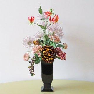 光触媒アートフラワーアレンジメント【リュミエール】「月光の菊」という名の高級造花を使用したアレンジです