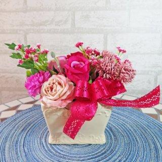 光触媒アートフラワーアレンジメント【ベルデ】ピンク色のかわいいお花です。