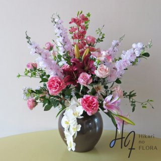 高級造花インテリア【フーア】演台花・エントランスに。九谷焼産地サビ釉薬花生に、アーティフィシャルフラワーをアレンジ。