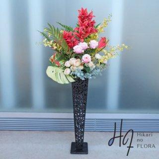 光触媒造花アレンジメント【スタンド70型RD513】シンビジュームの赤色がおしゃれ感をアップさせる高さ135�・横幅70�の高級造花アレンジメントです。