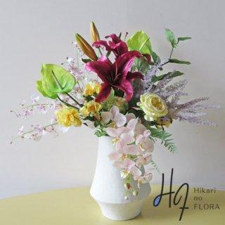 高級造花アレンジメント【アドリアーナ】主役は高級カサブランカ。アンスリウム、コチョウラン、オンシジュームも入れて華やかに。