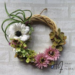 光触媒加工・壁掛けリース【wreath312】個性的な色彩のリースです。wreath(リース)は永遠と健康と愛情の象徴です。