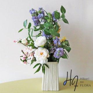 高級造花アレンジメント【ライラック】国内トップクラスのライラックで、ナチュラルエレガントを目指します。