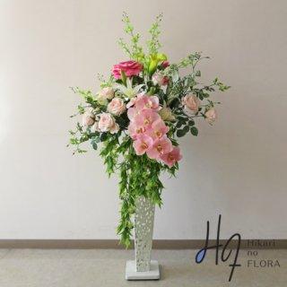 光触媒造花アレンジメント【スタンド70型RD524】見事な胡蝶蘭と薔薇の豪華な、高さ135�横幅70�のスタンド型高級造花アレンジメントです。