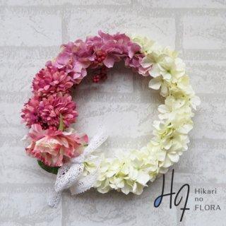 光触媒加工・壁掛けリース【wreath318】1マムとバラとハイドレンジアのリースです。wreath(リース)は永遠と健康と愛情の象徴です。