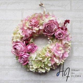 光触媒加工・壁掛けリース【wreath326】ハイドレンジアとバラのリースです。wreath(リース)は永遠と健康と愛情の象徴です。「退社祝い」にも記念に残る、嬉しい贈り物です。