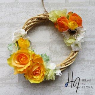 光触媒加工・壁掛けリース【wreath330】イエローローズのリースです。wreath(リース)は永遠と健康と愛情の象徴です。他の方とあまりかぶらない、嬉しい贈り物です。